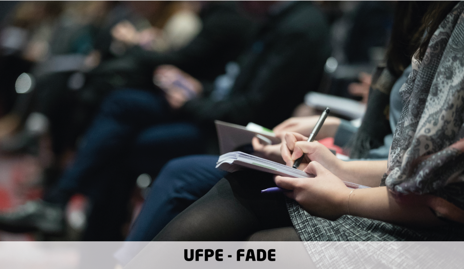 Vagas de estágio para Letras e Jornalismo | Edital 045/2020 | UFPE e Fade